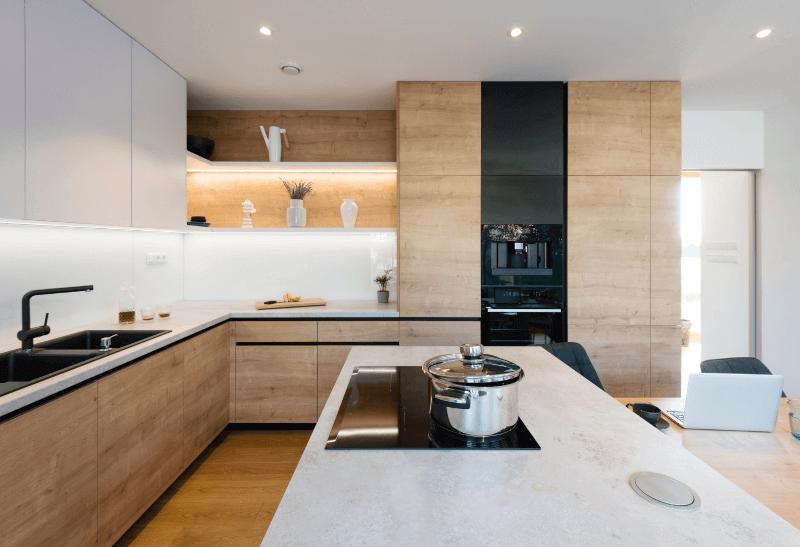 Na co zwrócić uwagę przy zakupie mebli kuchennych na wymiar?