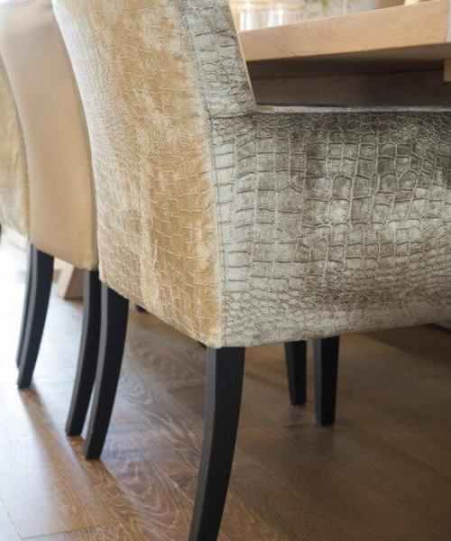 Ręcznie zrobione krzesła